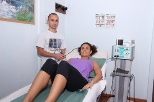 Tecar-Therapie an der Schulter