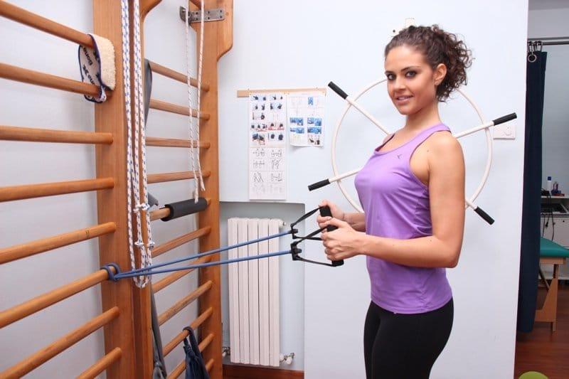 Übung,elastische,Schulter,supraspinatus,Sehnenentzündung,Tendinosis,Impingement,Sehnen,Schmerzen,männlich,Physiotherapie