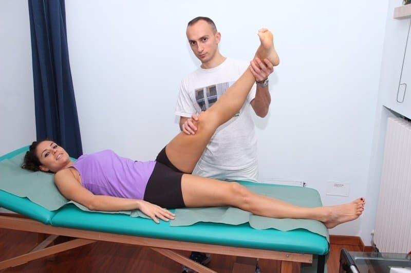 Test-Lasegue-Ischias-Rücken-Lumboischialgie-Schmerzen-Entzündung-Lenden-lumbal-Bandscheibe-Wirbel-Bein-Fuß-Kribbeln-Symptome