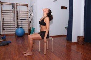 Methode, McKenzie, zervikal, Übungen, Extension, Strecken, Schmerzen, Flexion, Beugen, Rotation,