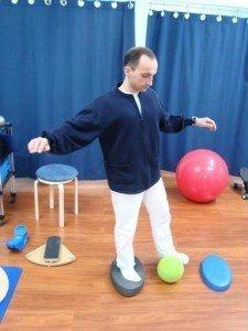 Übungen, propriozeptiv, Fuß, Stärkung, Gleichgewicht, Muskeln, Bewegung, Schmerzen, Schmerz, Ball, Physiotherapie und Rehabilitation