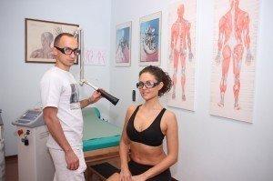 Lasertherapie, Schmerzen, Nerv, Tendinitis, Sehnenentzündung, Muskel, Kontraktur, Zerrung, Riss, Schwellung, Ödem, Entzündung, Arthroseschmerzen,