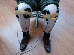 Magnettherapie am Knie bei Arthrose und Knochenbrüchen.